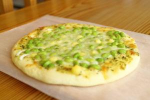 バジル枝豆ピザ